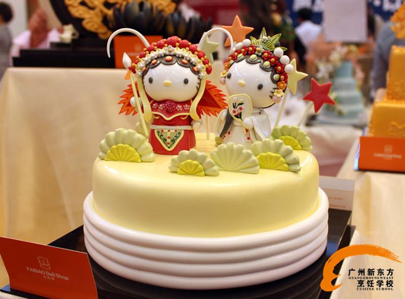 花边,花卉和十二生肖,卡通裱花蛋糕的精美制作