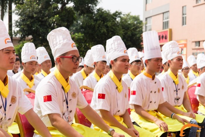 广州新东方烹饪学校火爆了!饕宴课堂精彩不断!