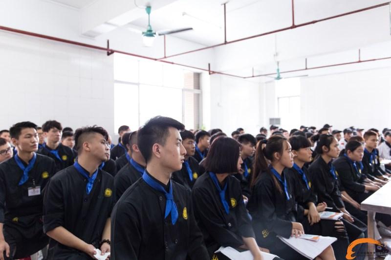 """""""烹米""""创始人毛亮走进我校 授课新东方学子"""