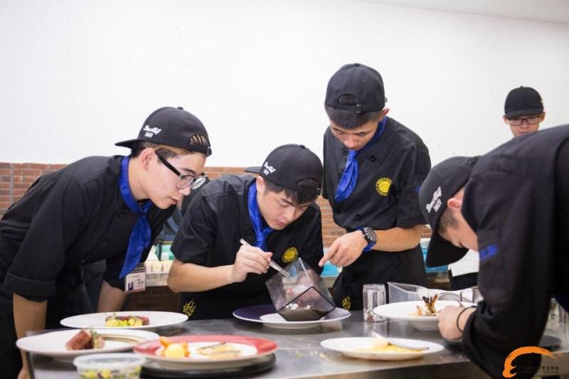 2017在广州新东方学烹饪有哪些外在的优势?