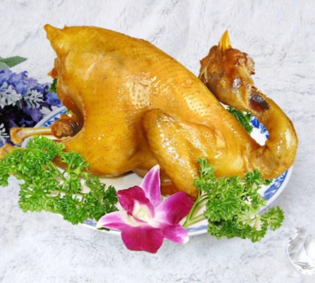 在线学做菜:【广东客家菜】美味盐�h鸡 肉滑皮爽骨肉香浓