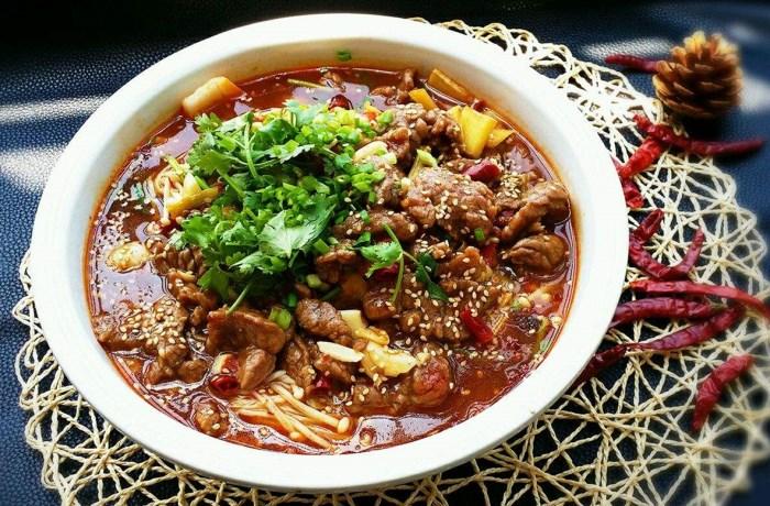 广州新东方在线教做菜:麻辣爽口的水煮牛肉   浓浓的川菜风味