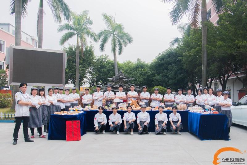 广州新东方利来国际手机版精英1604班毕业展 处处充满惊喜